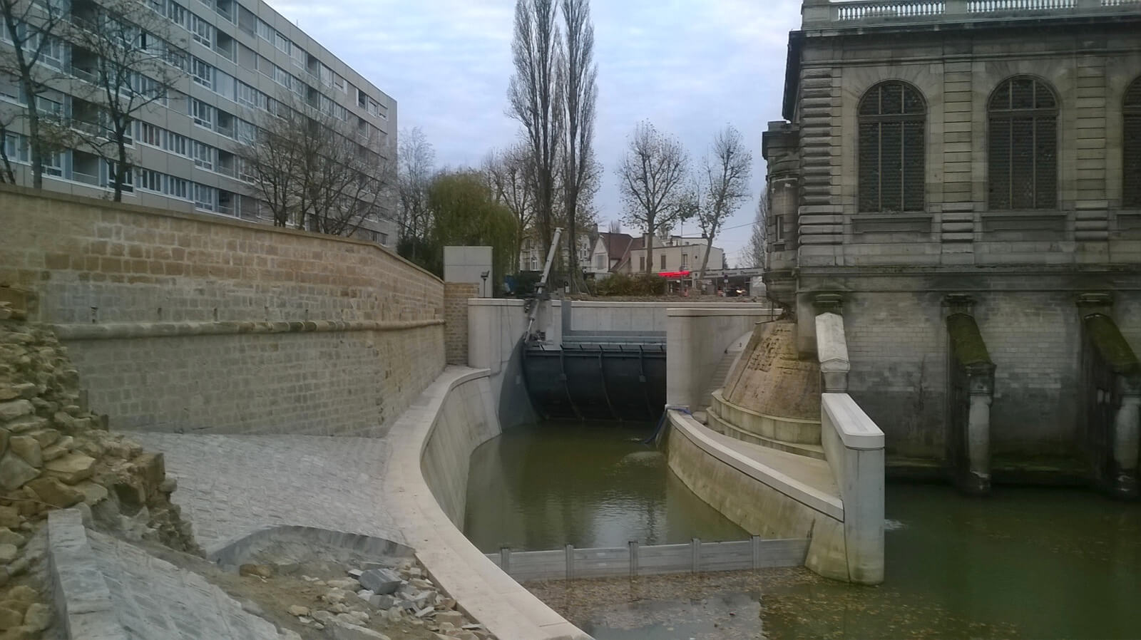 Barrage a clapet du canal Mazarin (08)