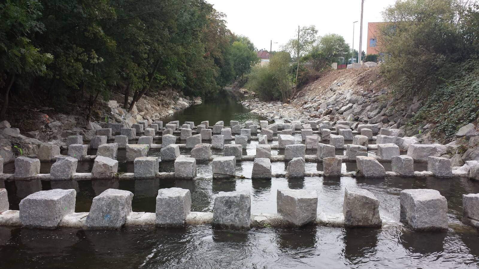 Création d'une passe à poissons en enrochement à Belfort (90)